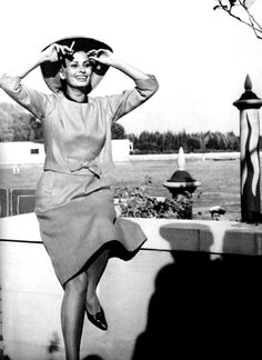 Sophia Loren in Venice, Hollywood Cinema, Classic Hollywood, Hollywood Stars, Loren Sofia, Sophia Loren Images, World Most Beautiful Woman, Star Wars, Italian Actress, Classic Actresses