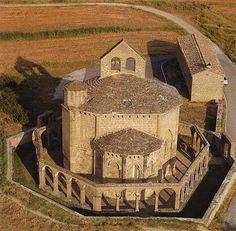 Romanesque Architecture, Roman Architecture, Church Architecture, Beautiful Architecture, Templer, Modelos 3d, Art Story, Church Building, Spain And Portugal