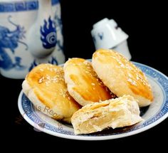 Happy New Year, everyone! My first post for 2015 is 'Wife Biscuit' aka 'Lo Por Paeng', a soft and flaky pastry with winter melon fillin. Pastry Recipes, Dessert Recipes, Cooking Recipes, Bread Recipes, Yummy Recipes, Cake Recipes, Asian Desserts, Asian Recipes, Chinese Desserts