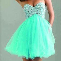 Turquoise prom dress ;) <3