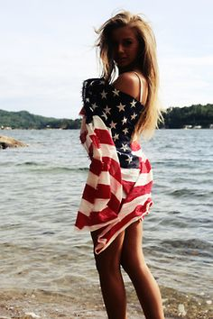 Black and White fashion summer skinny boho indie Grunge beach flag America vertical american flag soft grunge simply--inspired Soft Grunge, Shooting Pose, Indie, Good Vibe, Boutique Fashion, Usa Tumblr, Beach Wear, How To Pose, American Pride