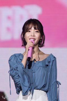 Korean Singer, Ruffle Blouse, Actresses, Tops, Women, Fashion, Female Actresses, Moda, Women's