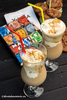 NESS CAFFEE FRAPPE CU CARAMEL | Diva in bucatarie Frappe, Glass Of Milk, Smoothie, Panna Cotta, Caramel, Diva, Clever, Food And Drink, Drinks