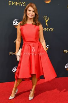Roma Downey Cute Red Satin Sleeveless Bateau Neck Cocktail Dress Emmys 2016