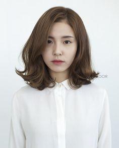 Trendy ideas for haircut korean wavy hair Medium Hair Cuts, Medium Hair Styles, Curly Hair Styles, Haircut Medium, Short Styles, Permed Hairstyles, Trendy Hairstyles, Japanese Hairstyles, Korean Hairstyles
