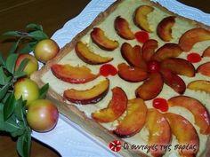 Τάρτα με φρούτα #sintagespareas Greek Recipes, Hot Dogs, Sweet, Ethnic Recipes, Desserts, Food, Pies, Postres, Deserts