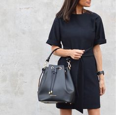 This season's top pick is the Vittoria bucket bag by Tuscany Leather. Made in Italy from genuine Italian Ruga leather in everyone's favourite, BLACK. #leatherhandbags #leatherhandbagsaustralia #handbagsaustralia #tuscanyleatheraustralia #avalinaleather #bucketbag #melbournefashion #sydneyfashion #brisbanefashion #adelaidefashion #leatheraccessories #fashion #melbourne #madeinitaly