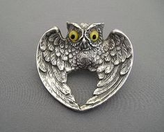 Estate Jewelry, Silver, Art Nouveau offered for sale on Trocadero - internet antique mall. Browse antiques and fine art online. Feather Jewelry, Bird Jewelry, Animal Jewelry, Jewelry Art, Antique Jewelry, Antique Silver, Jewellery, Art Nouveau Jewelry, Wire Pendant