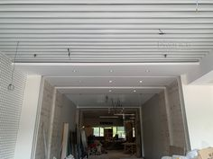 baffle ceiling Baffle Ceiling, Metal Ceiling, Ceiling Height, Fire Sprinkler, Construction Drawings, Ceiling Decor, Building Materials, Colorful Pictures, Aluminium Alloy