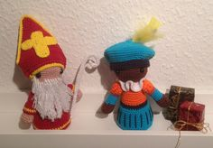 Sinterklaas and Zwarte Piet from the book Ik hou van Holland & haken by Christel Krukkert. December 2016. #KroezeDezign #Sinterklaas #haken #crochet #hækling