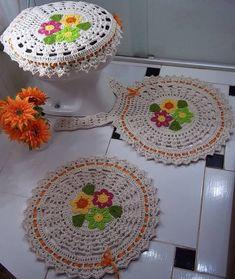 Con flores Crochet Home, Crochet Crafts, Yarn Crafts, Crochet Projects, Free Crochet, Diy And Crafts, Arts And Crafts, Thread Crochet, Crochet Doilies