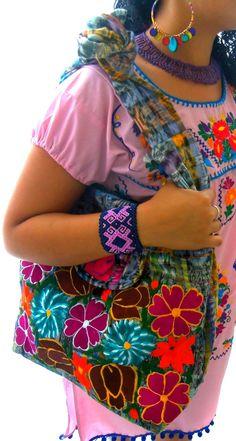 lluvia de flores mexican embroidered bag ~ elizabethpalmer @ etsy
