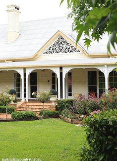 Sunshine Coast Hinterland residents Betty and Terry Stokes have created a pocket of paradise from a bare block of land. Sunshine Coast, Farmhouse Garden, Farmhouse Style, Australia House, Australia Country, Victorian Cottage, Australian Architecture, Diy Home, Home Decor