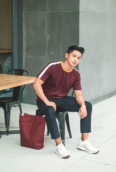 Nice style by davidguison Ootd Poses Instagram, Simple Outfits, Normcore, Mens Fashion, Legs, Wednesday, T Shirt, How To Wear, Guy