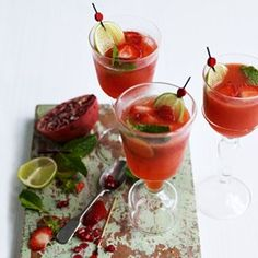 Strawberry Lemonade - Easy Cocktails & Drinks - hulled strawberries - caster sugar - Juice 5 lemons - Still or sparkling mineral water, to dilute - Sliced limes and strawberries, and sprigs of mint, to serve Easy Cocktails, Summer Cocktails, Cocktail Drinks, Fun Drinks, Cocktail Recipes, Beverages, Mixed Drinks, Lemonade Cocktail, Healthy Cocktails