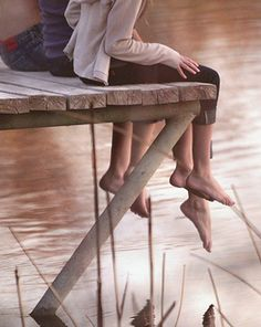 Dangling legs