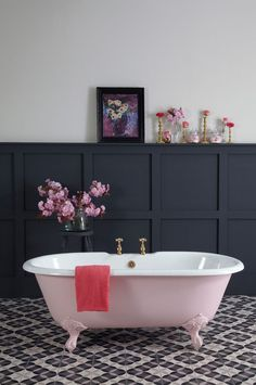 I like the bath colour and the taps.