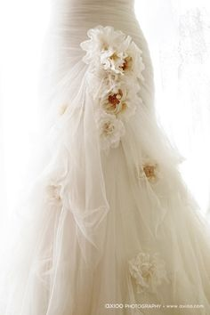 bridal wedding gown, axioo photography