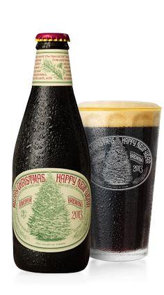 Cerveja Anchor Christmas Ale 2013, estilo Christmas/Winter Specialty Spiced Beer, produzida por Anchor Brewing Company, Estados Unidos. 5.5% ABV de álcool.