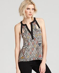 Day or night, a printed Bcbgmaxazria top in a striking geometric print is right on-trend with sleek cutouts. Blusas Top, Cute Summer Tops, Blouse Outfit, Trendy Tops, Topshop, Coral, Super Women, Corsages, Tanks