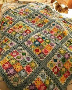 Crochet Afghans, Crochet Quilt, Afghan Crochet Patterns, Crochet Home, Crochet Motif, Crochet Crafts, Doilies Crochet, Easy Crochet, Free Crochet