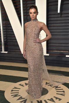 f1f4ce3e6 Hailee Steinfeld wearing Ralph  amp  Russo with Stuart Weitzman shoes and  Neil Lane jewelry at
