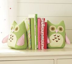 And how cute is this for your little girls room?! #owl #cloth #bookends #diy #craft #bedroom #kids #easy #fabric #books owls-owls-owls