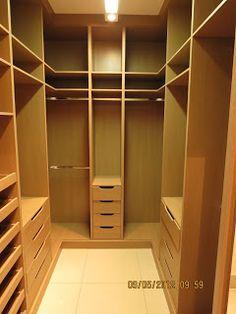 Marcenaria Arantes.: Closet. 100% mdf. Portas de correr com espelho.
