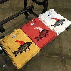 Camisetas #loreakmendian hechas en Europa! Diseño vasco!! #cientosiete #madeinspain