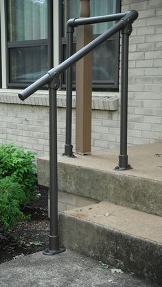 Sturdy Handrails for Safe Home Access Jon Aldrich - Handypro, Nashville by Simplified Building Conce Porch Step Railing, Porch Handrails, Exterior Stair Railing, Diy Stair Railing, Pipe Railing, Outdoor Stair Railing, Porch Stairs, Balustrades, Deck Railings