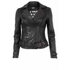 Roxanne Jas Zwart Leather Jacket, Jackets, Fashion, Studded Leather Jacket, Down Jackets, Moda, La Mode, Leather Jackets, Fasion