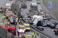 M7-es autópályán 35-ös karambol van. Nem fogják eltalálni, hogy mi okozta ezt a nagy karambolt ! - MindenegybenBlog