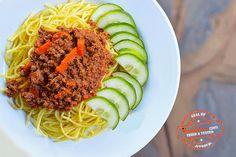 Tali's Tasty Garlic-flavoured Spaghetti & Mince Zimbabwe Food, Tomato Paste, Curry Powder, Ethnic Recipes, African Recipes, Fries, Garlic, Spaghetti, Tasty