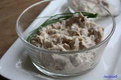 Zelfgemaakte romige tonijnsalade   Zelfgemaakte romige tonijnsalade zonder toevoegingen smaakt heel puur. 't Is in een handomdraai gemaa...