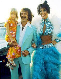 07764196_Cher-Sonny-Bono-Chasity-Bono-467.jpg (620×797)
