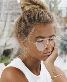 Shared by Bella Montreal. Find images and videos about beautiful, pretty and pink on We Heart It - the app to get lost in what you love. No Ordinary Girl, Hair Goals, Summer Vibes, Summer Days, Beautiful People, Hair Makeup, Hair Beauty, Beauty Makeup, Portraits