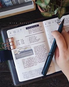 Tasks in middle, journal entry at bottom Bullet Journal Ideas Pages, Bullet Journal Layout, My Journal, Bullet Journal Inspiration, Journal Pages, Studyblr, Commonplace Book, Study Organization, Journal Aesthetic