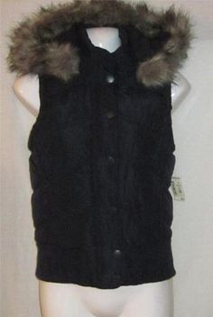 Starting Bid .99 cents    Aeropostale Small Jacket NEW NWT Womens Small Vest Navy Lined Fur Hooded NICE ~~