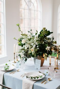 Elegant Winter Wedding Inspiration using the beautiful dogwood flowers and gold and warm accents captured by Sarah Bradshaw Photography feat Silk & Willow Elegant Table Settings, Wedding Table Settings, Wedding Reception Decorations, Reception Ideas, Wedding Decor, Blue Wedding Centerpieces, Backdrop Wedding, Wedding Tables, Wedding Receptions