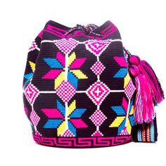 Hermosa Wayuu Bag - woven by one thread - MOCHILAS WAYUU BAGS
