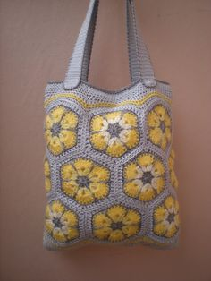 C: Purse with yellow flowers by EmmHouse using African Flower Motif