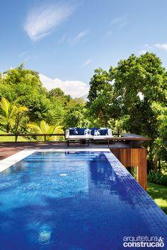 A afirmação parece um exagero, mas não se observadas as escolhas dos donos desta casa em Mangaratiba, RJ
