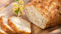 Die sechs Zutaten vermischen, in eine Kastenform und ab in den Ofen – einfacher geht es nicht. Das herzhafte Brot eignet sich auch prima für Partys.