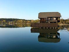 Ostufer im Herbst Cabin, House Styles, Inspiration, Home Decor, Landscape, Autumn, Homemade Home Decor, Biblical Inspiration, Cabins