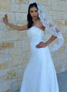 Bridal lace  veil with beaded scalloped edge by VanyaBvlgari, $95.00