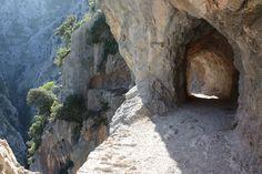 Ruta de El Cares, Poncebos. No te la pierdas si vas a los Picos de Europa #Cantabria #Spain #Travel