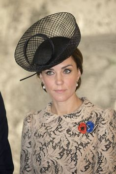From pillboxes to fascinators, there's no denying that the range of Kate Middleton hats inspires fashion envy. Here's some of the Duchess' best choices. Style Kate Middleton, Kate Middleton Hats, Princesse Kate Middleton, Prince William And Kate, William Kate, Princess Mary, Princess Charlotte, Camilla, Duchesse Kate