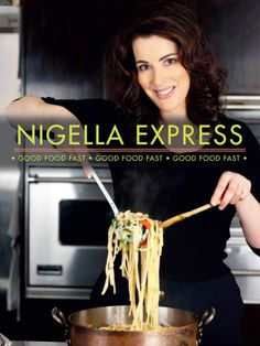 Nigella Express by Nigella Lawson features fabulous fast foods, ingenious short cuts, terrific time-saving ideas, effortless entertaining and easy, delicious meals. It is Nigella's solution to eating well when time is short. Nigella Lawson, Chefs, Food Network Recipes, Real Food Recipes, Simply Nigella, Fast Good, Good Food, Yummy Food, Delicious Meals