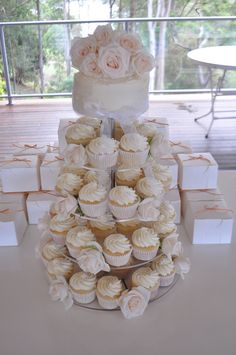Cream and white rose  #wedding cupcakes ... Wedding ideas for brides, grooms, parents & planners ... https://itunes.apple.com/us/app/the-gold-wedding-planner/id498112599?ls=1=8 … plus how to organise an entire wedding ♥ The Gold Wedding Planner iPhone App ♥