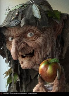 Scary Ugly Witch with Poison Apple scary animated ugly witch gif halloween poison apple Halloween Tags, Vintage Halloween, Fall Halloween, Halloween Decorations, Happy Halloween Gif, Halloween Witches, Halloween Makeup, Happy Halloween Pictures, Halloween Doodle